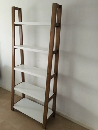 Escalera repisa mesa para la cama for Repisa escalera
