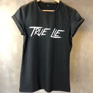 T-Shirt True Lie black