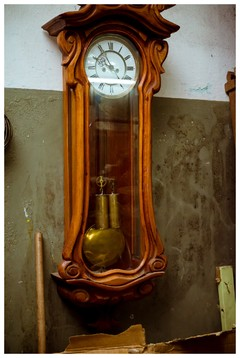Reloj de Roble Antiguo
