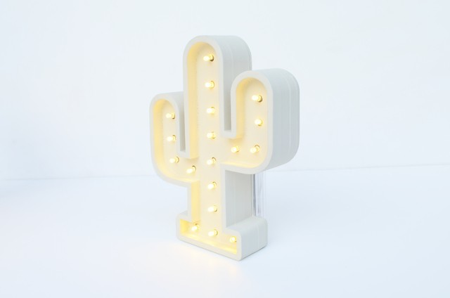 Mini Cactus Madera led A PILAS!! en internet