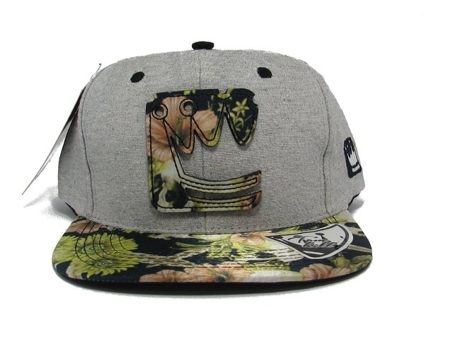 BONÉ SNAPBACK TOM HILL ESTAMPA DE COROA - buy online