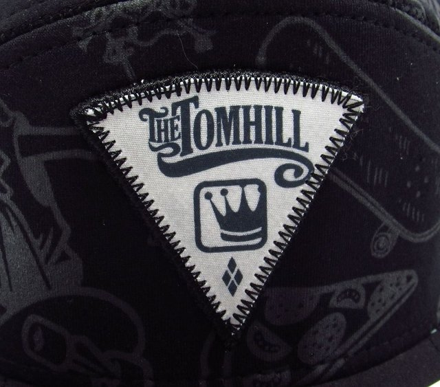BONÉ SNAPBACK TOM HILL ''THE TOM HILL'' - WSG-NACIONAIS E IMPORTADOS