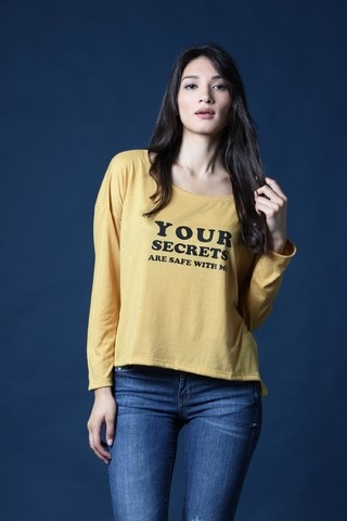Remera de modal estampa Your Secret DC