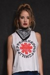 Musculosa Algodon Estampa Red Hot Chili Peppers EM - comprar online