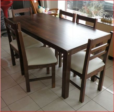 Mesa y sillas madera lustrada comprar en tylo muebles for Mesas y sillas blancas de madera