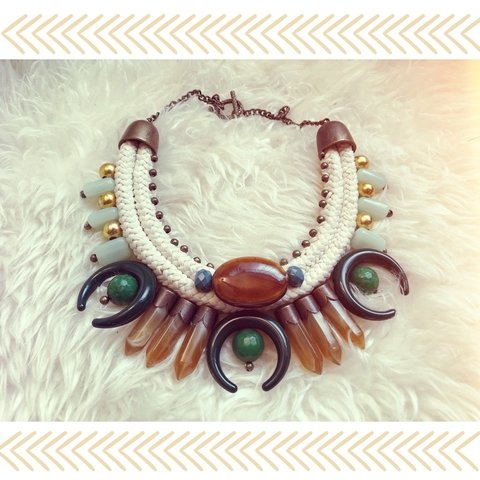 Collar lunas green