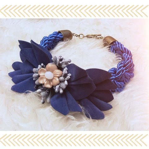 Collar choker silk blue