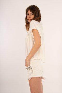 SHORT AFRIKA /WHITE CON APLIQUES DE PIEDRA - Rebeca Shoes