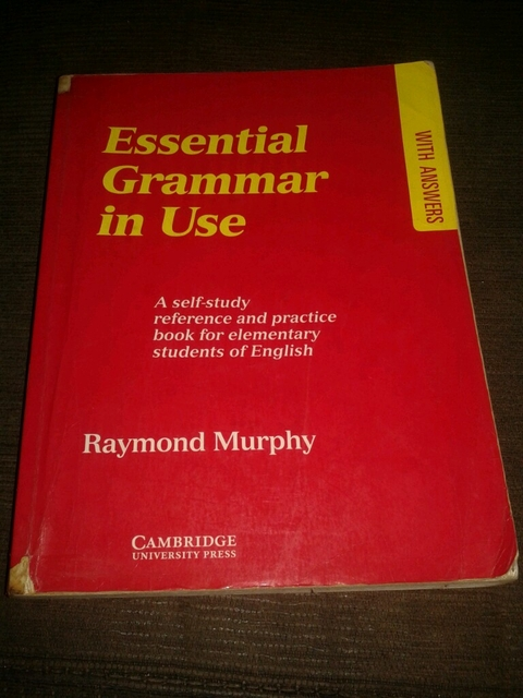 Essencial gramática in use' Raymond Murphy