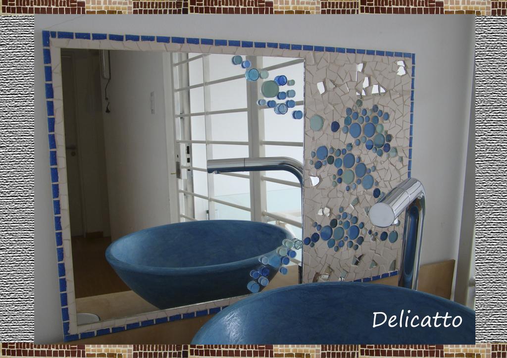 Espejo artesanal en cer mico y venecitas oferta for Oferta espejos pared