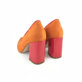 Stiletto Orange en internet