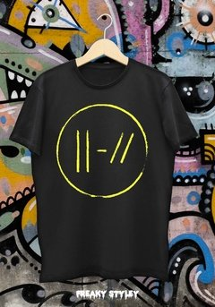 REMERA 21 PILOTS TRENCH DOBLE ESTAMPA