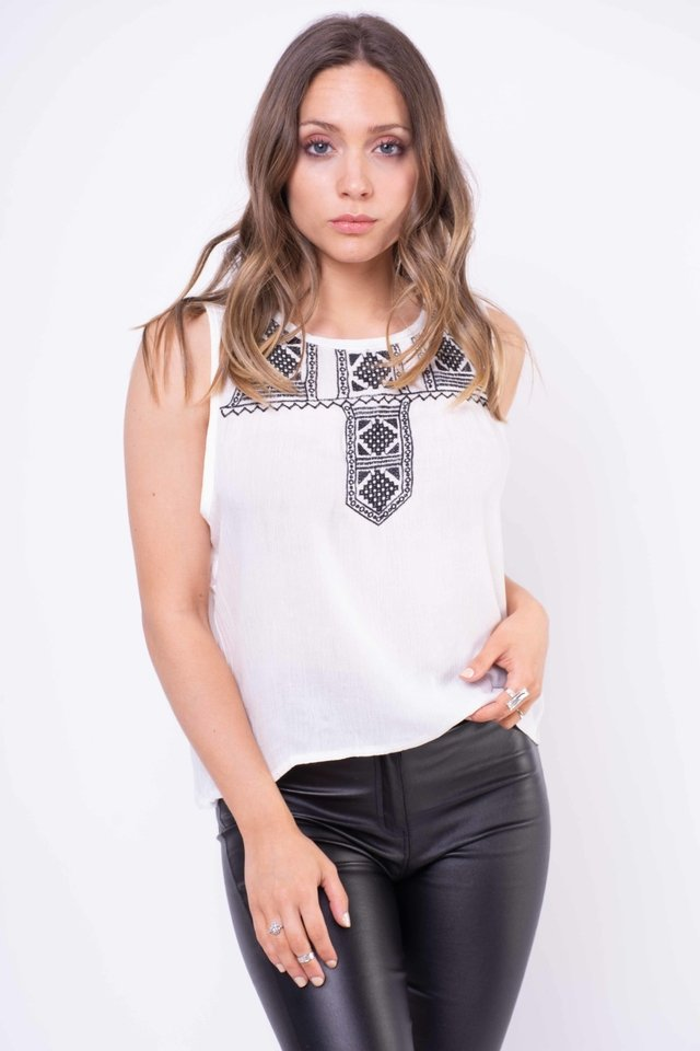 Musculosa Tefi Bordada Art:2749 en internet