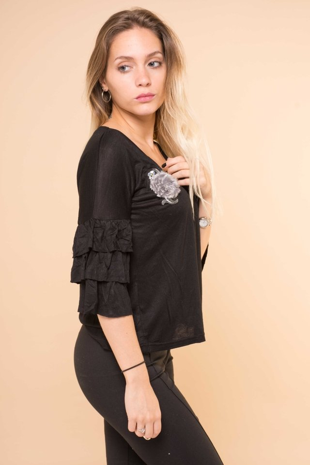 Blusa Aplique Bordado Triple Volado Art:843