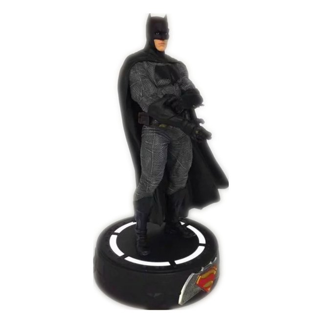 Batman vs Superman (Movie Figures) na internet