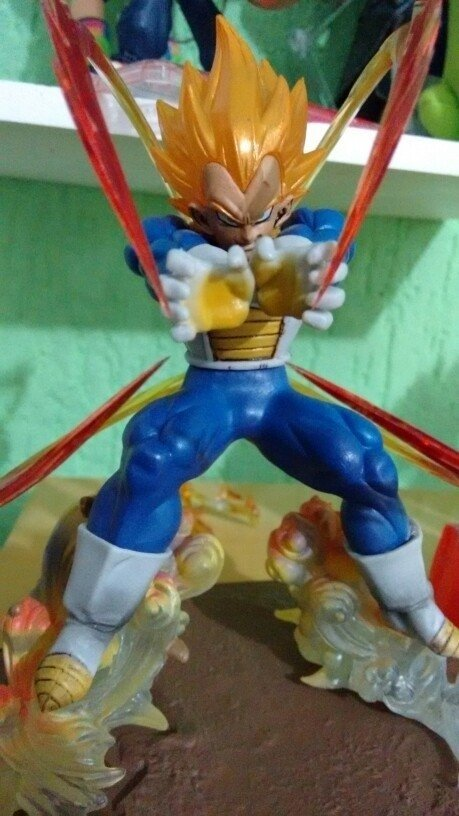 Vegeta Super Saiyajin - GeekFigures