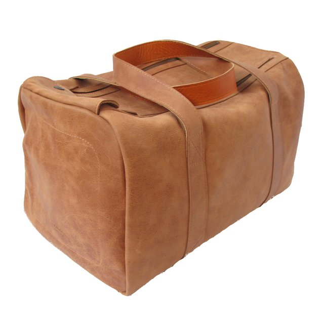LEATHER TRAVEL BAG 25851600706d4