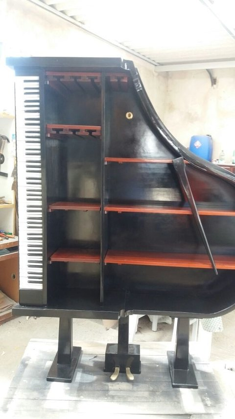 Estante Piano Cauda