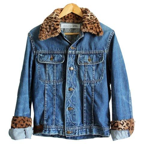 918c1ae2be Jaqueta jeans customizada Mary Lemon animal print onça