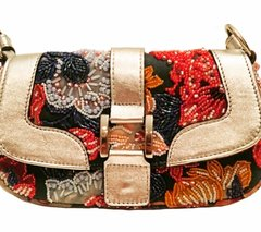 Cartera baguette bordada Pimpi Smith