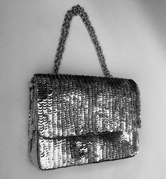Cartera bordada en paillette plateado Pimpi Smith Collections