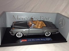 Imagem do Mercedes Benz 220SE Convertible (1958) - Sun Star 1/18