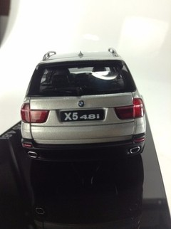 BMW X5 4.8i - Auto Art 1/43 na internet