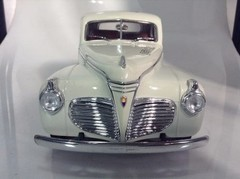 Plymouth Pro Street (1941) - Road Legends 1/18 - comprar online
