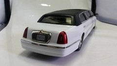 Lincoln Towncar 1999 Sun Star 1/18 na internet