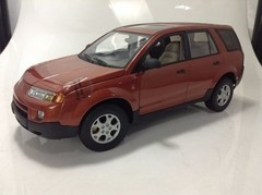 Saturn Vue (2002) - Auto Art 1/18