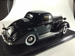 Pontiac Deluxe (1936) - Signature Models 1/18 - B Collection