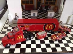Conjunto Mcdonalds Racing Champions 1/64 - B Collection