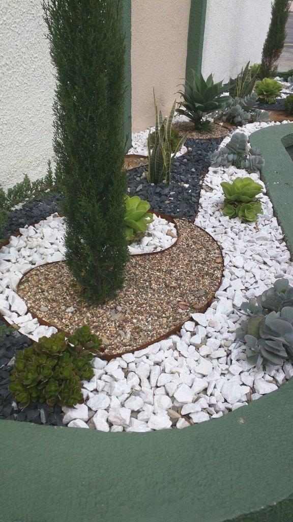 Piedras decorativas para jardines chimeneas for Piedras de rio para jardin
