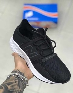 Tênis New Balance Fresh Foam Roav BW