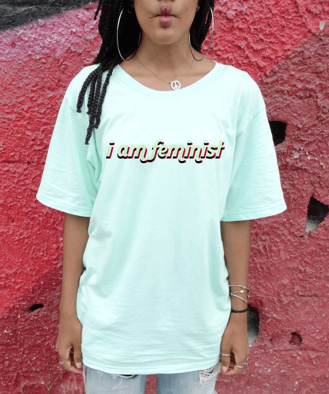 CAMISETA I AM FEMINIST na internet