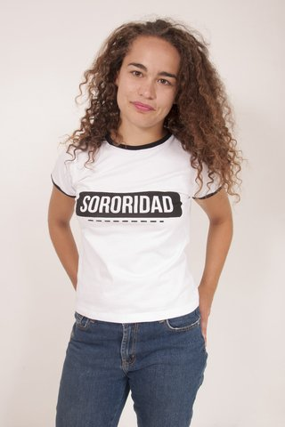 Remera Sororidad en internet