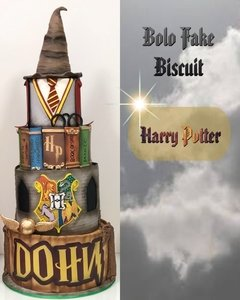Bolo Fake em Biscuit!! Harry Potter  na internet