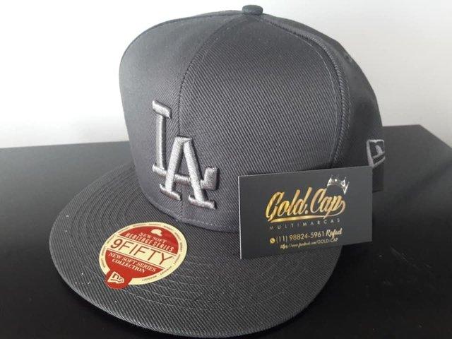 75ec688b0bb26 Bonés aba reta LA snapback - Comprar em Gold Cap