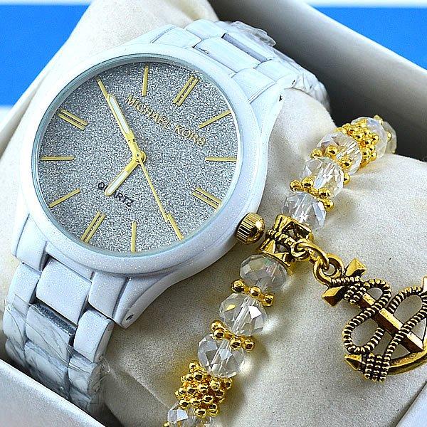 2625643e05a Relógio Michael Kors Petit Norie Branco Fundo Areado Detalhes Dourado Pulseira  Aço Feminino + PULSEIRA e BRINCOS