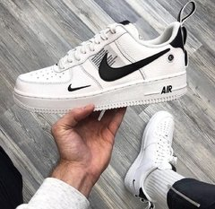 NIKE AIR FORCE OFF