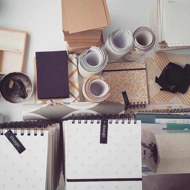 Cuadernos y estampados vintage de Musgo