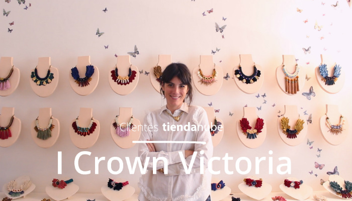 Victoria Magrane creadora de I Crown Victoria en su tienda