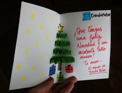 Tarjeta navideña con árbol en relieve