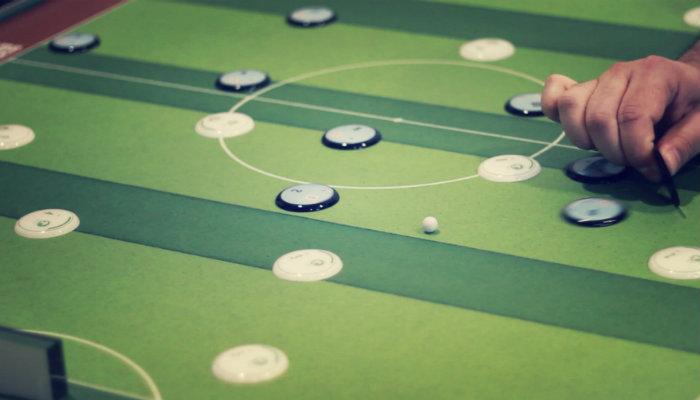 Relembre o futebol de botão com a Botões Clássicos