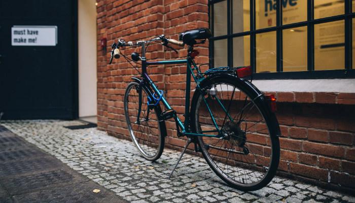 bicicleta estacionada segurança ou risco
