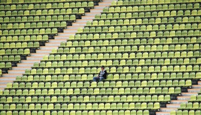Torcedor em estádio de futebol