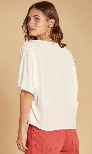 BLUSA AMPLA CREPE VISTA FRONTAL SHOULDER