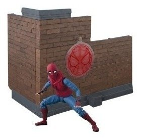 Homecoming Spider-man (home Made Suit) With Wall - Bandai