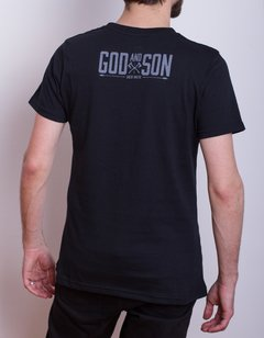 Remera GOW God And Son Negra Hombre - comprar online