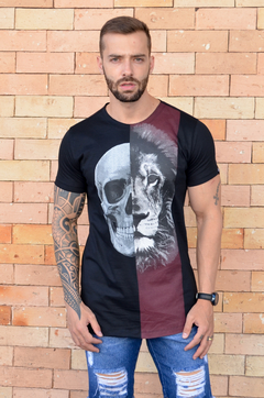 Camiseta Long Line Skull And Lion - comprar online